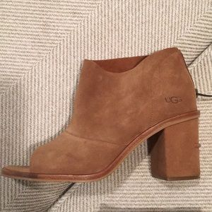UGG BOOTIES size 8 great condition